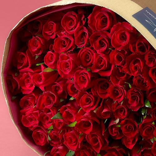 60本の赤バラの花束「アニバーサリーローズ」