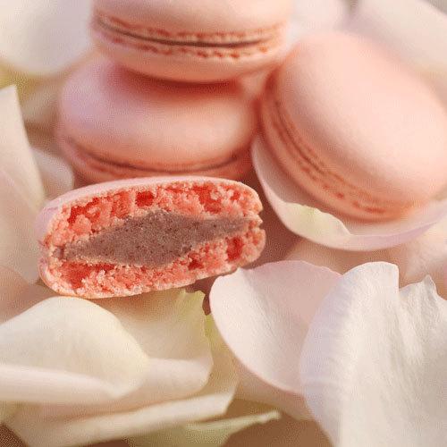 お花のスイーツ「花咲くローズマカロン」2箱