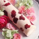 お花のスイーツ「花咲くローズロール」