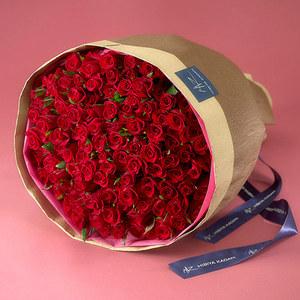 108本の赤バラの花束「アニバーサリーローズ」の商品画像