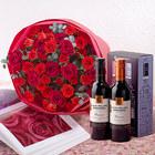 ハーフボトルワイン(DEEP&CHIC)と赤いスプレーバラの花束