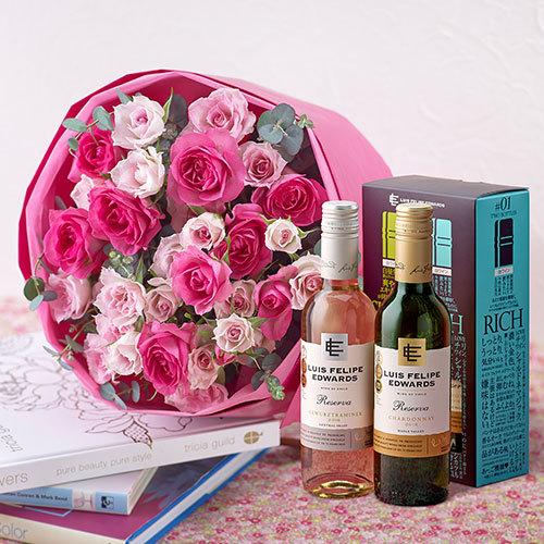ハーフボトルワイン(SHINY&RICH)とピンクのスプレーバラの花束